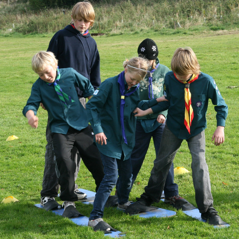 Scouts at Bonaly doing teambuilding