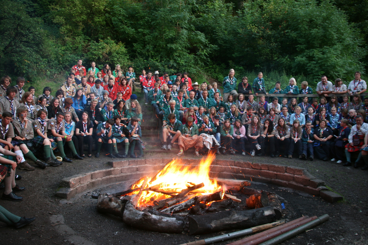 Big international campfire at Bonaly