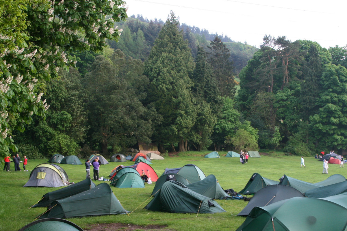 Bonaly - hike tents in the Spring